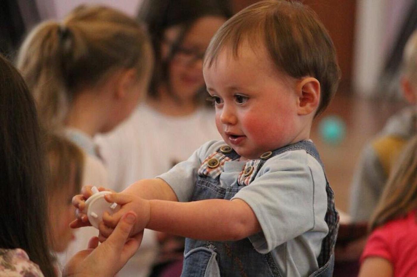 Kleinkind in der Kita Biberbau
